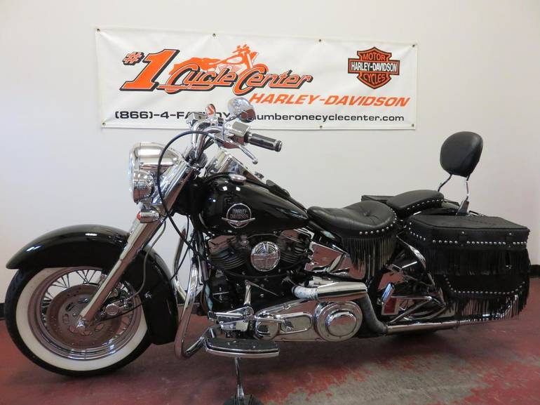 See more photos for this Harley-Davidson FLH, 1975 motorcycle listing