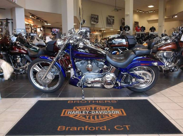 See more photos for this Harley-Davidson FXSTDSE²  Screamin' Eagle® Softail® Deuce™, 2004 motorcycle listing