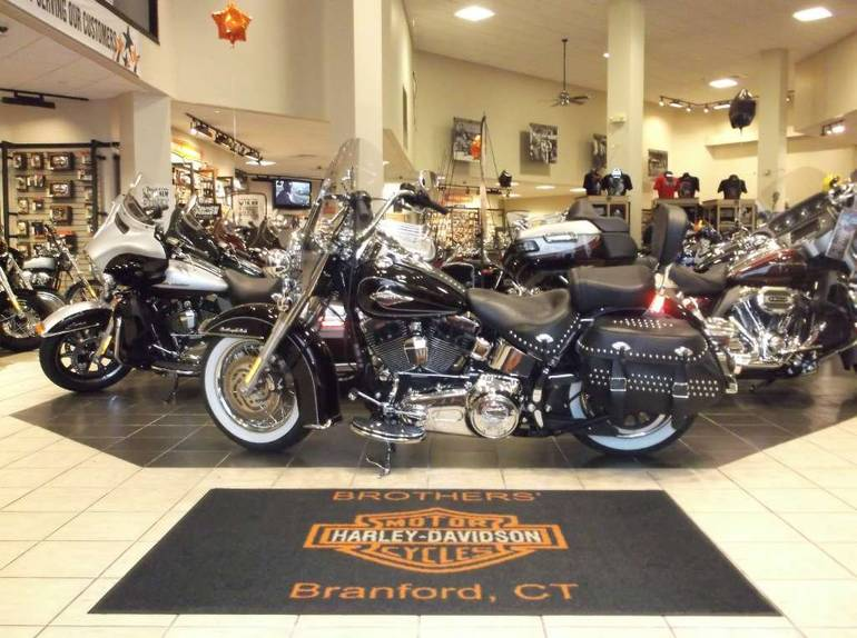 See more photos for this Harley-Davidson Heritage Softail® Classic, 2011 motorcycle listing