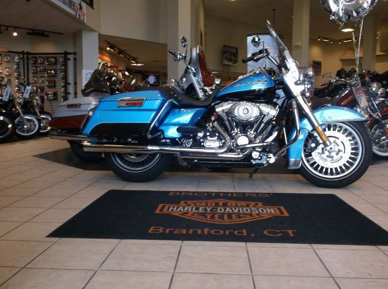 See more photos for this Harley-Davidson Road King®, 2011 motorcycle listing