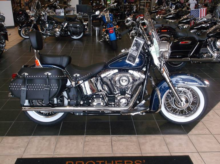 See more photos for this Harley-Davidson Heritage Softail® Classic, 2012 motorcycle listing