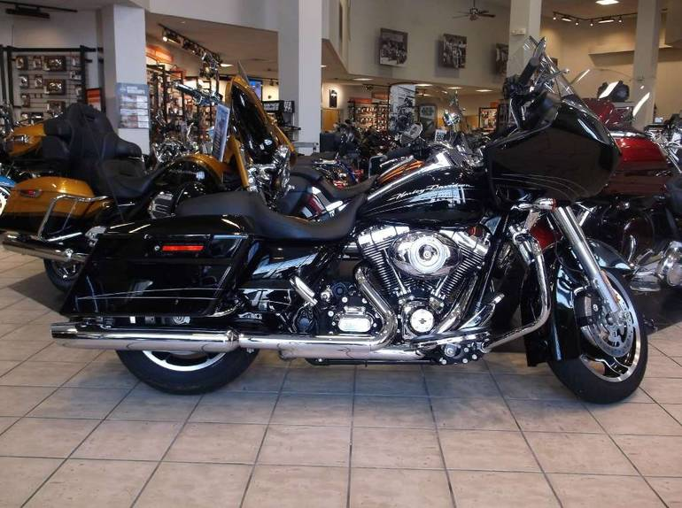 See more photos for this Harley-Davidson Road Glide® Custom, 2013 motorcycle listing