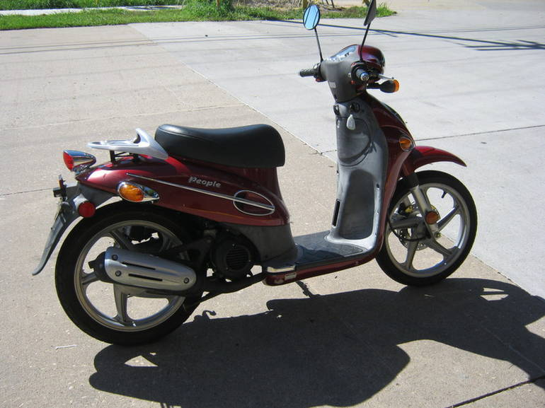 See more photos for this Kymco People 50, 2005 motorcycle listing