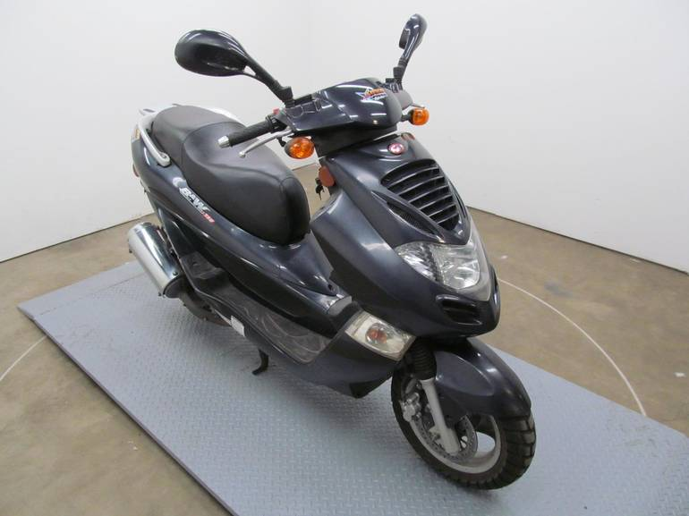 See more photos for this Kymco BET&WIN 150, 2006 motorcycle listing