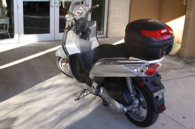 See more photos for this Kymco People S 250, 2007 motorcycle listing