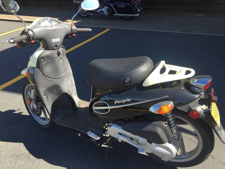 See more photos for this Kymco People 50, 2009 motorcycle listing