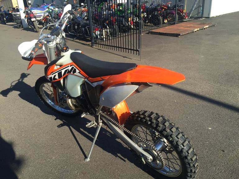 See more photos for this KTM 250 XC-W, 2014 motorcycle listing