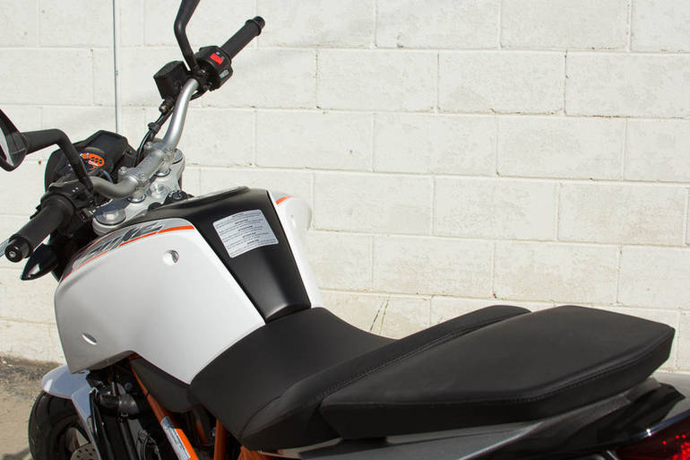 See more photos for this KTM 690 Duke, 2014 motorcycle listing