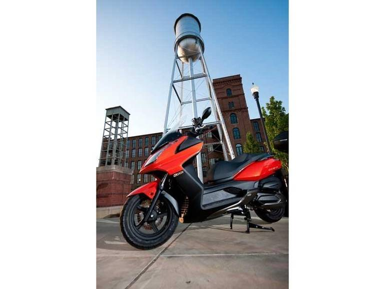 See more photos for this Kymco Downtown 300i, 2014 motorcycle listing