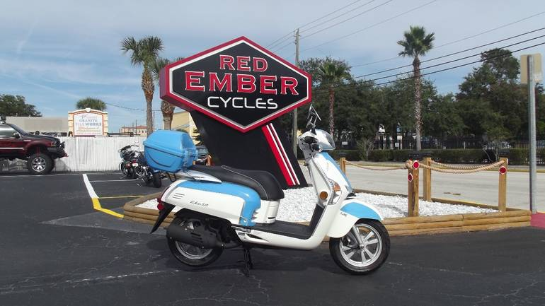 See more photos for this Kymco LIKE 50 2T LX, 2014 motorcycle listing