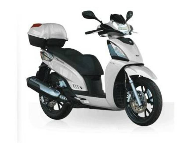 See more photos for this Kymco People GT 300i, 2014 motorcycle listing