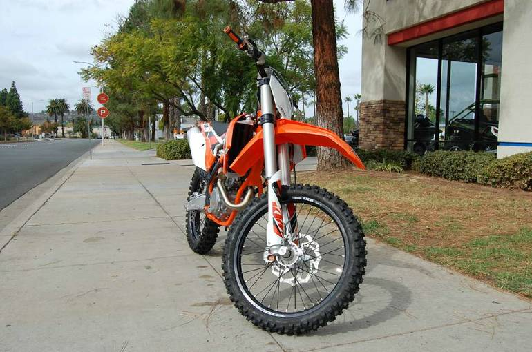 See more photos for this KTM 250 SX-F, 2015 motorcycle listing