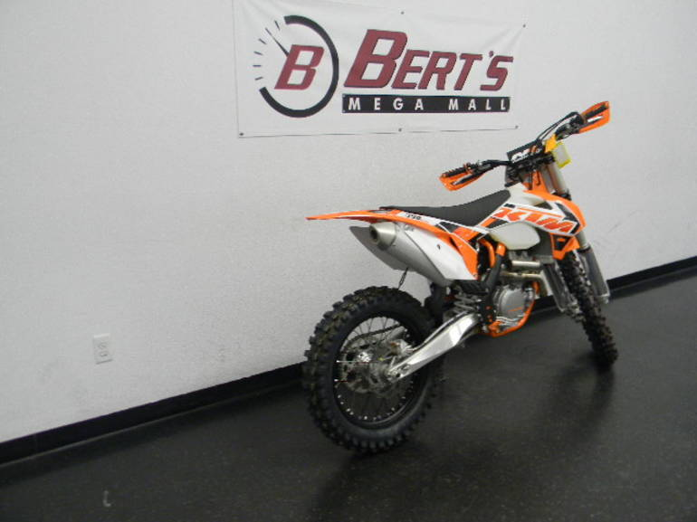See more photos for this KTM 350 XC-F, 2015 motorcycle listing