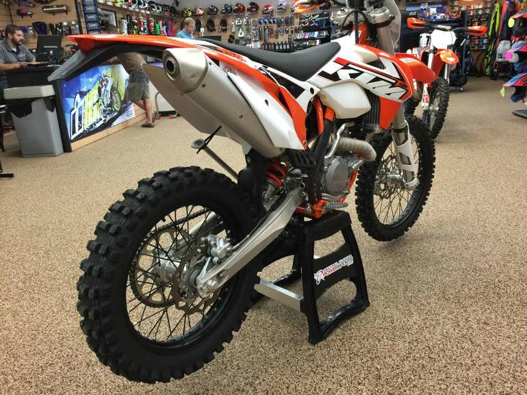 See more photos for this KTM 450 XC-W, 2015 motorcycle listing