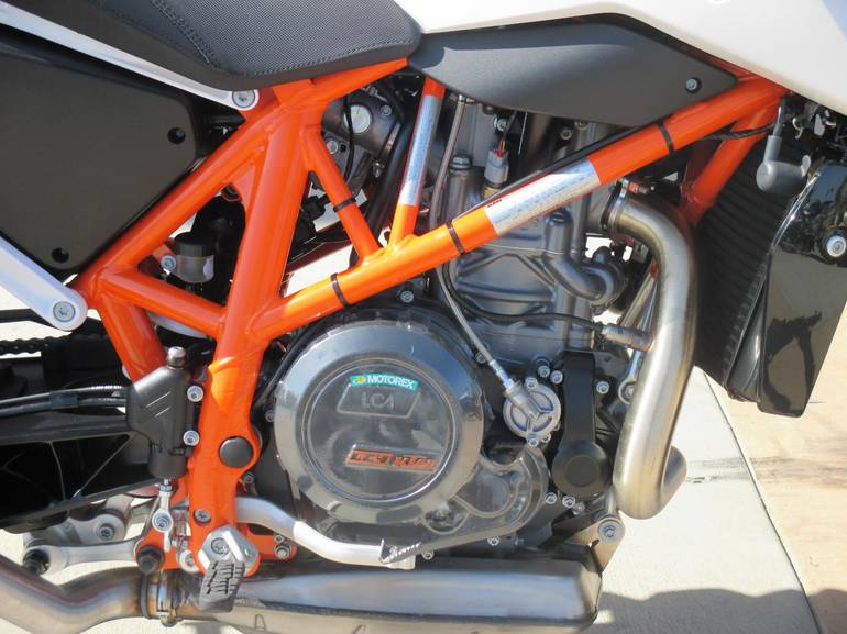 See more photos for this KTM 690 DUKE, 2015 motorcycle listing