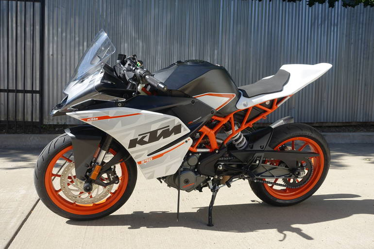 See more photos for this KTM RC390, 2015 motorcycle listing