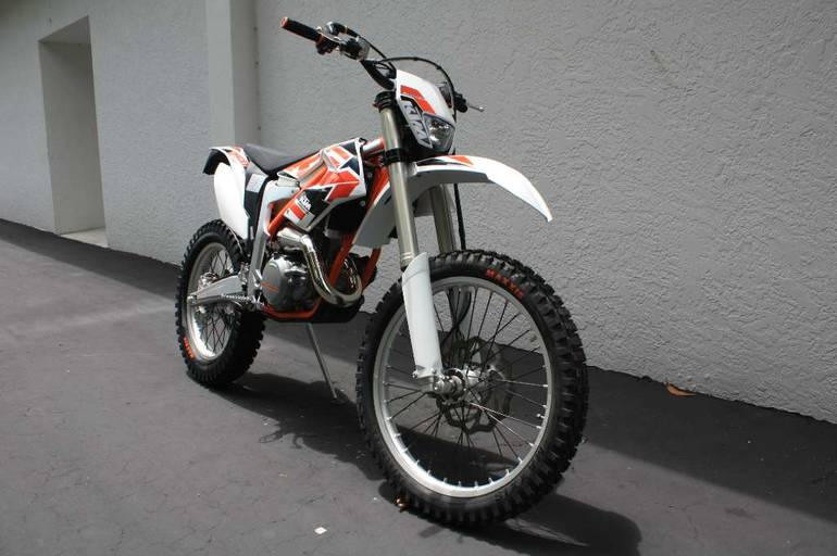See more photos for this KTM FREERIDE 250R, 2016 motorcycle listing