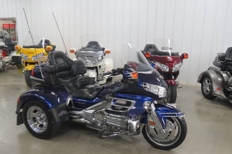 See more photos for this Motor Trike GL 1800 Spyder, 2002 motorcycle listing