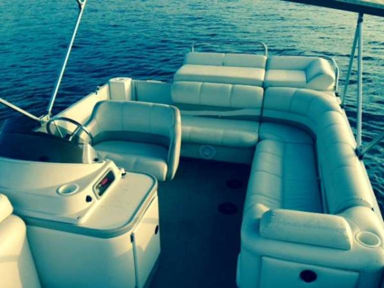 See more photos for this Other Crest Pontoon, 2003 motorcycle listing