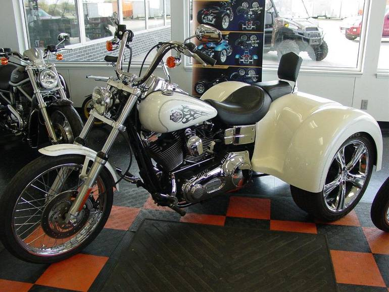 See more photos for this Fbi Trike FXDWG - DYNA WIDE GL, 2005 motorcycle listing