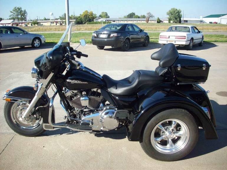 See more photos for this Motor Trike FLHTP TRIKE, 2005 motorcycle listing