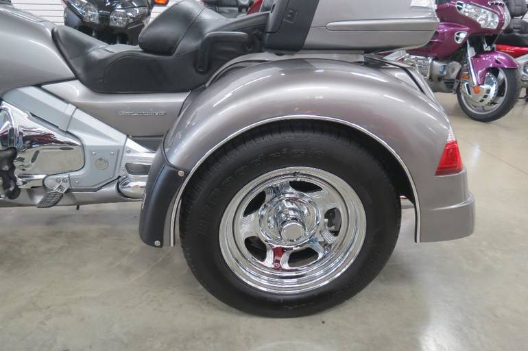 See more photos for this Motor Trike GL 1800 Spyder, 2008 motorcycle listing