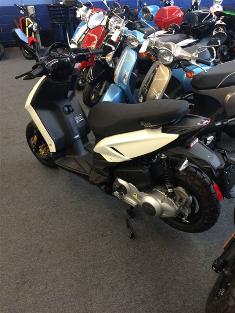 See more photos for this Piaggio Typhoon 125 carb, 2013 motorcycle listing