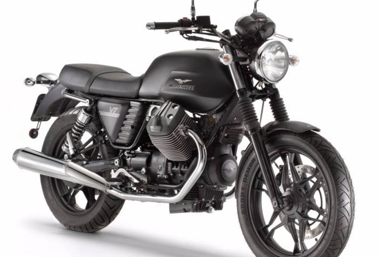 See more photos for this Moto Guzzi V7 STONE, 2015 motorcycle listing