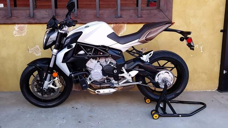 See more photos for this Mv Agusta BRUTALE 675 WITH EAS , 2015 motorcycle listing