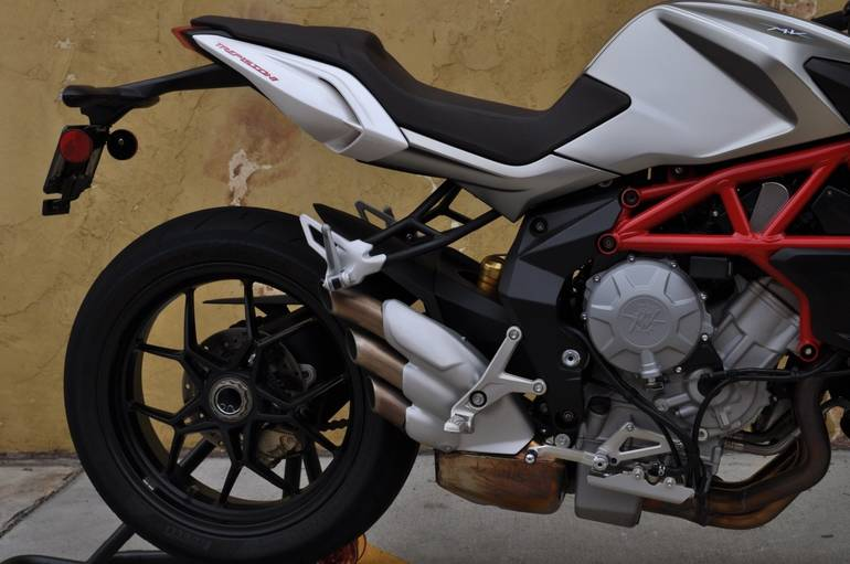 See more photos for this Mv Agusta BRUTALE 800 WITH EAS, 2015 motorcycle listing