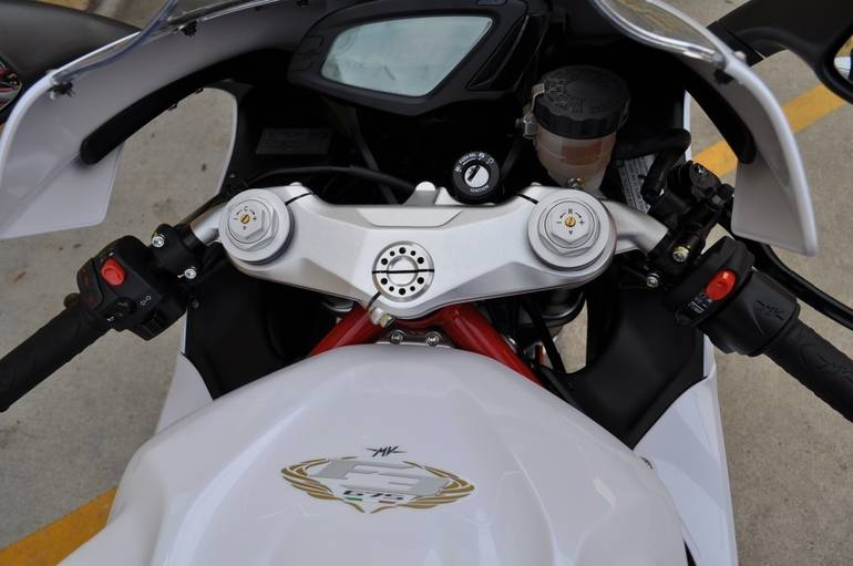 See more photos for this Mv Agusta F3 675 WHITE , 2015 motorcycle listing