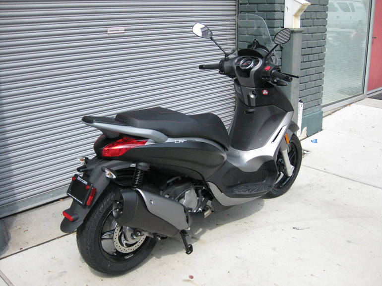 See more photos for this Piaggio BV 350 i.e., 2015 motorcycle listing