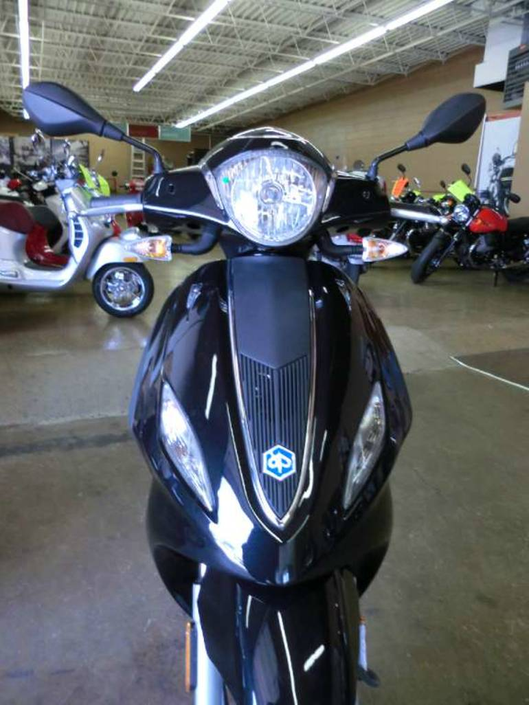 See more photos for this Piaggio Fly 150 3V, 2015 motorcycle listing