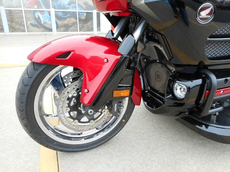 See more photos for this Road Smith HTS1800, 2015 motorcycle listing