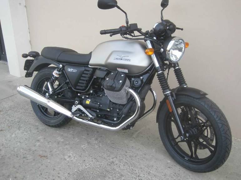 See more photos for this Moto Guzzi V7 II Stone ABS Grigio Intenso, 2016 motorcycle listing