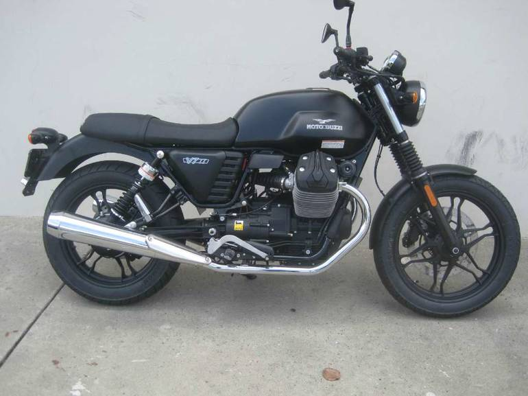 See more photos for this Moto Guzzi V7 II Stone ABS Nero Ruvido, 2016 motorcycle listing