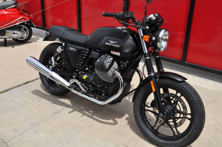 See more photos for this Moto Guzzi V7 Stone II, 2016 motorcycle listing