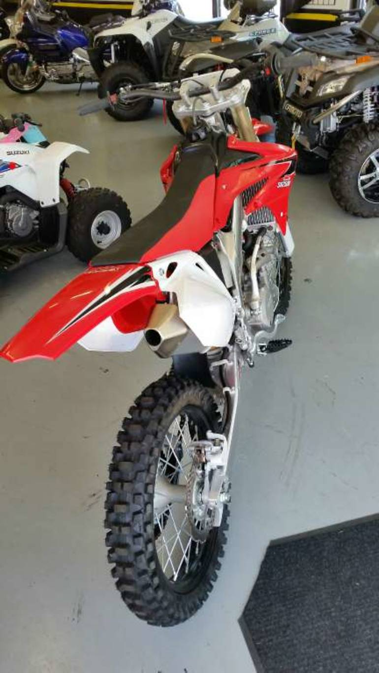 See more photos for this Ssr Motorsports SR250-R Dirtbike, 2013 motorcycle listing