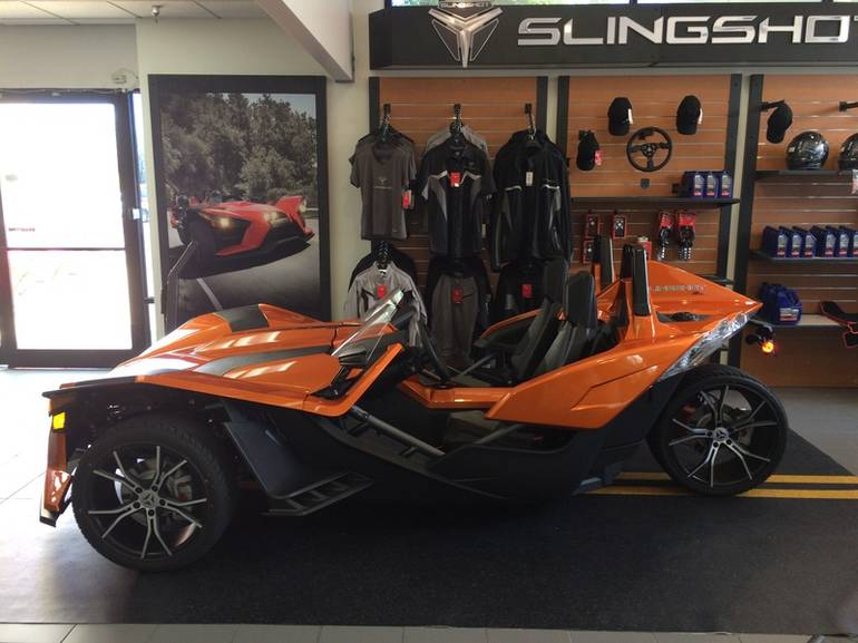 See more photos for this Polaris Slingshot Reverse Trike SL LE, 2015 motorcycle listing