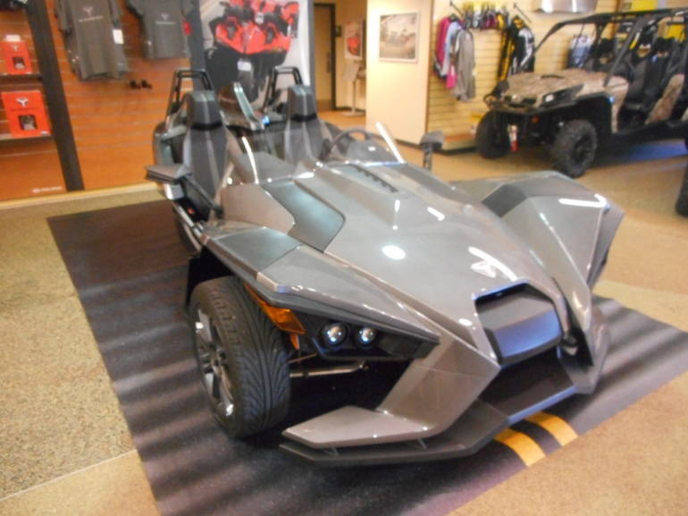 See more photos for this Polaris Slingshot Slingshot, 2015 motorcycle listing