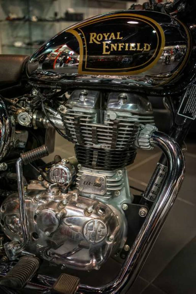 See more photos for this Royal Enfield Bullet C5 Chrome (EFI), 2015 motorcycle listing