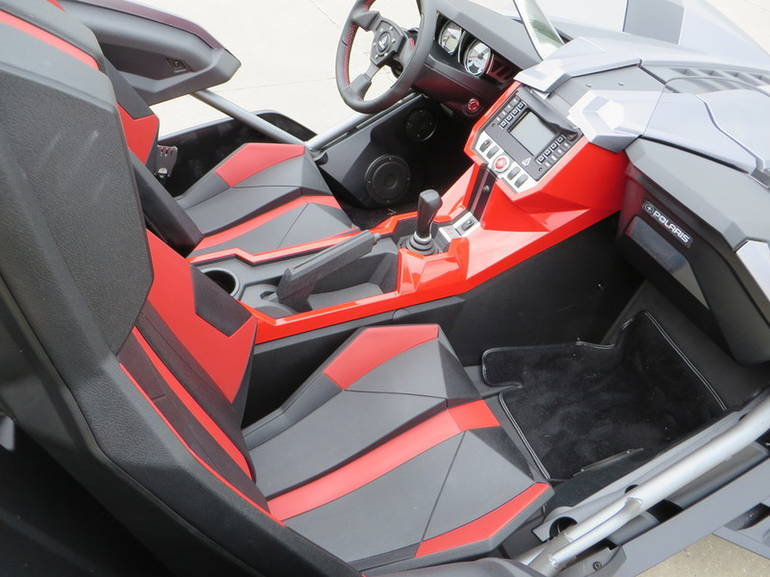 See more photos for this Slingshot T15AAPFAAB, 2015 motorcycle listing