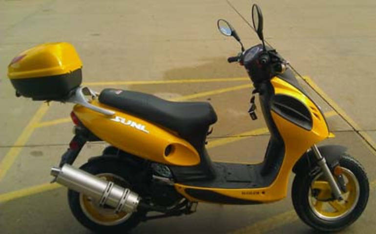See more photos for this Tao Tao 150cc Super Bee Moped Scooter, 2015 motorcycle listing