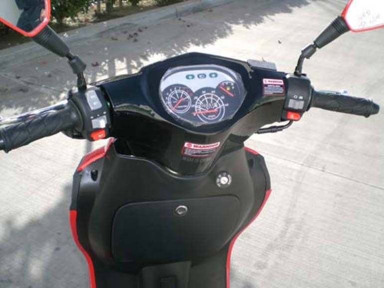 See more photos for this Tao Tao 49cc Striker 4 Stroke Moped Scooter For Sale, 2015 motorcycle listing