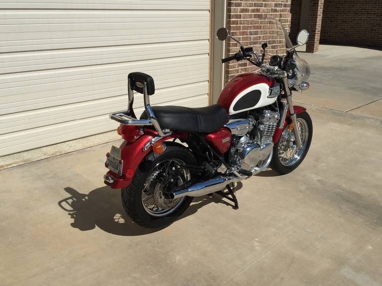 See more photos for this Triumph Thunderbird , 2002 motorcycle listing