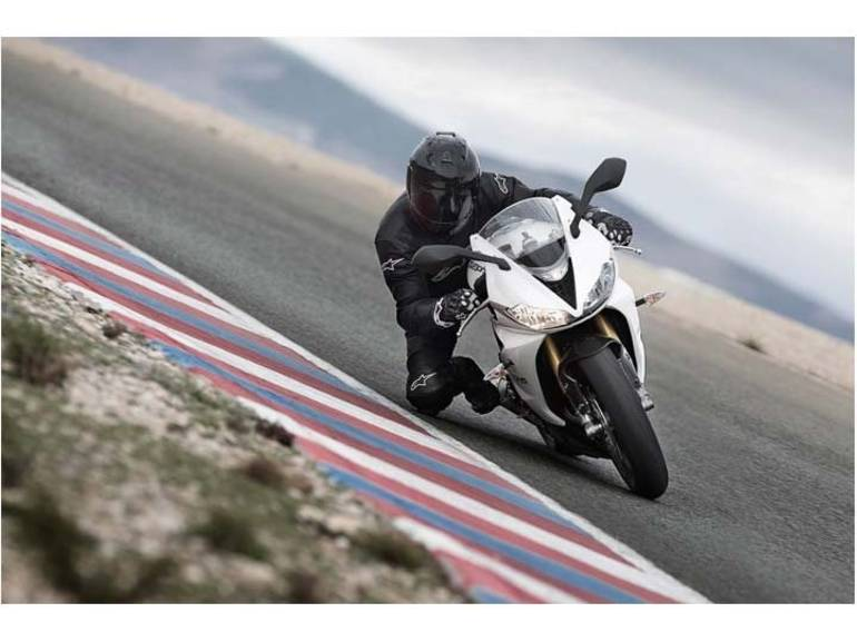 See more photos for this Triumph Daytona 675R, 2013 motorcycle listing