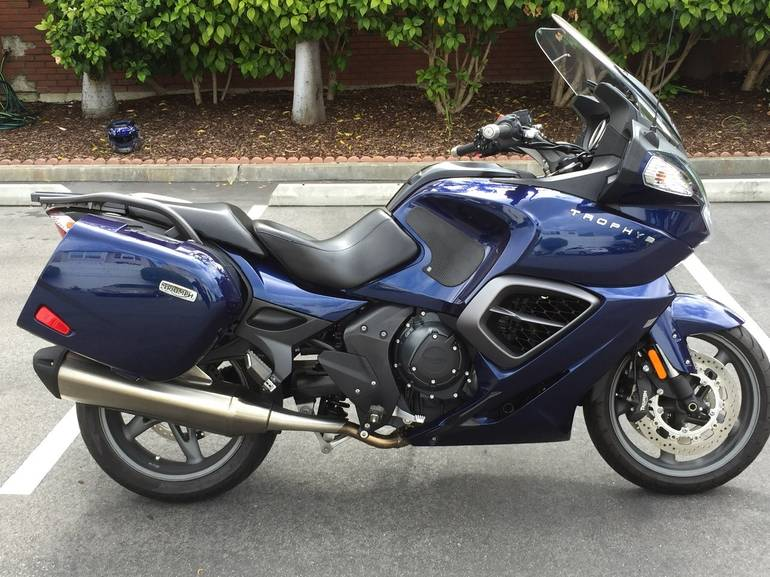 See more photos for this Triumph Trophy SE, 2013 motorcycle listing