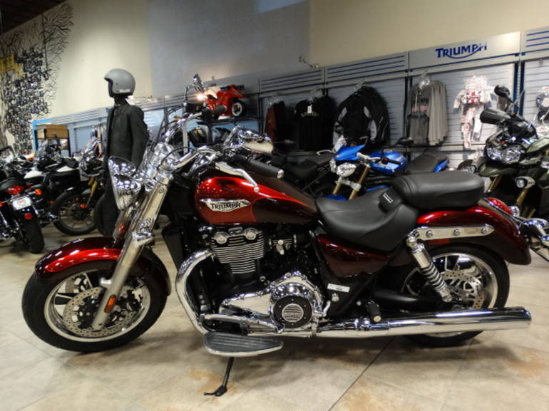 See more photos for this Triumph Thunderbird Commander ABS, 2014 motorcycle listing