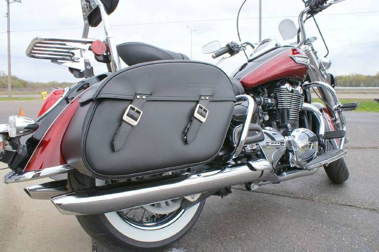 See more photos for this Triumph Thunderbird LT with Launch Pack, 2014 motorcycle listing