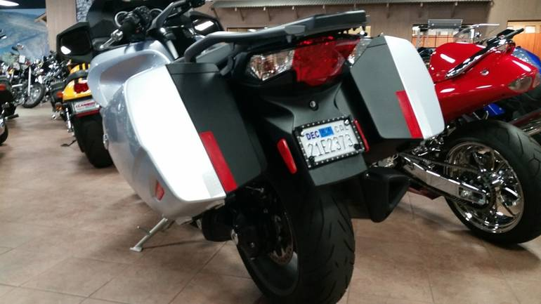 See more photos for this Triumph Trophy SE ABS, 2014 motorcycle listing